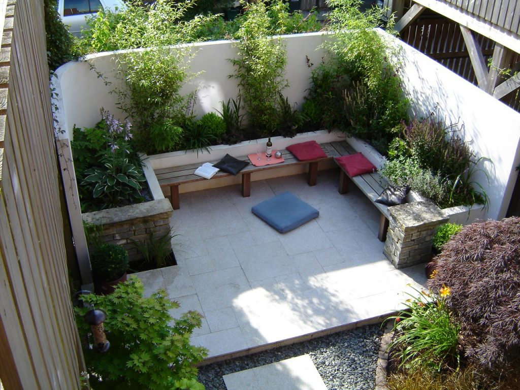 View of Contemporary Town Garden from the Spiral Staircase - Greenspace Garden Design