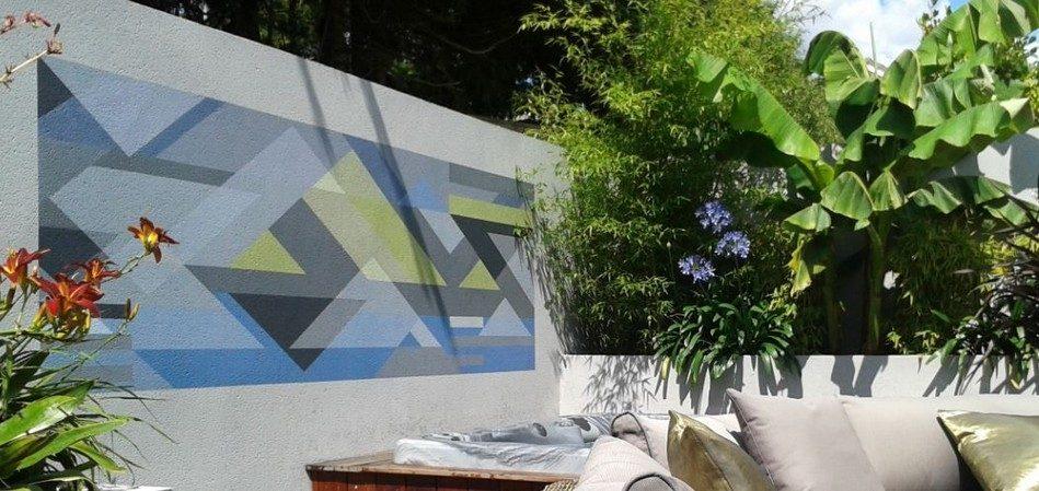 Greenspace Garden Design - Split Level Contemporary Garden - Mural