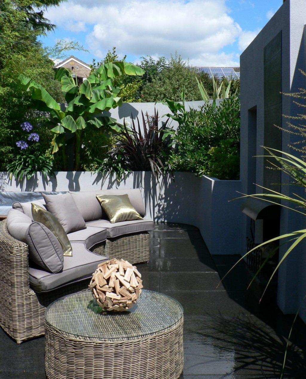 Greenspace Garden Design - Split Level Contemporary Garden - View of split level courtyard